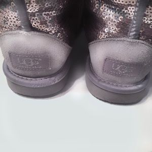 UGG Shoes - UGG Classic Short Heathered Lilac Sequin Boot Sz 7